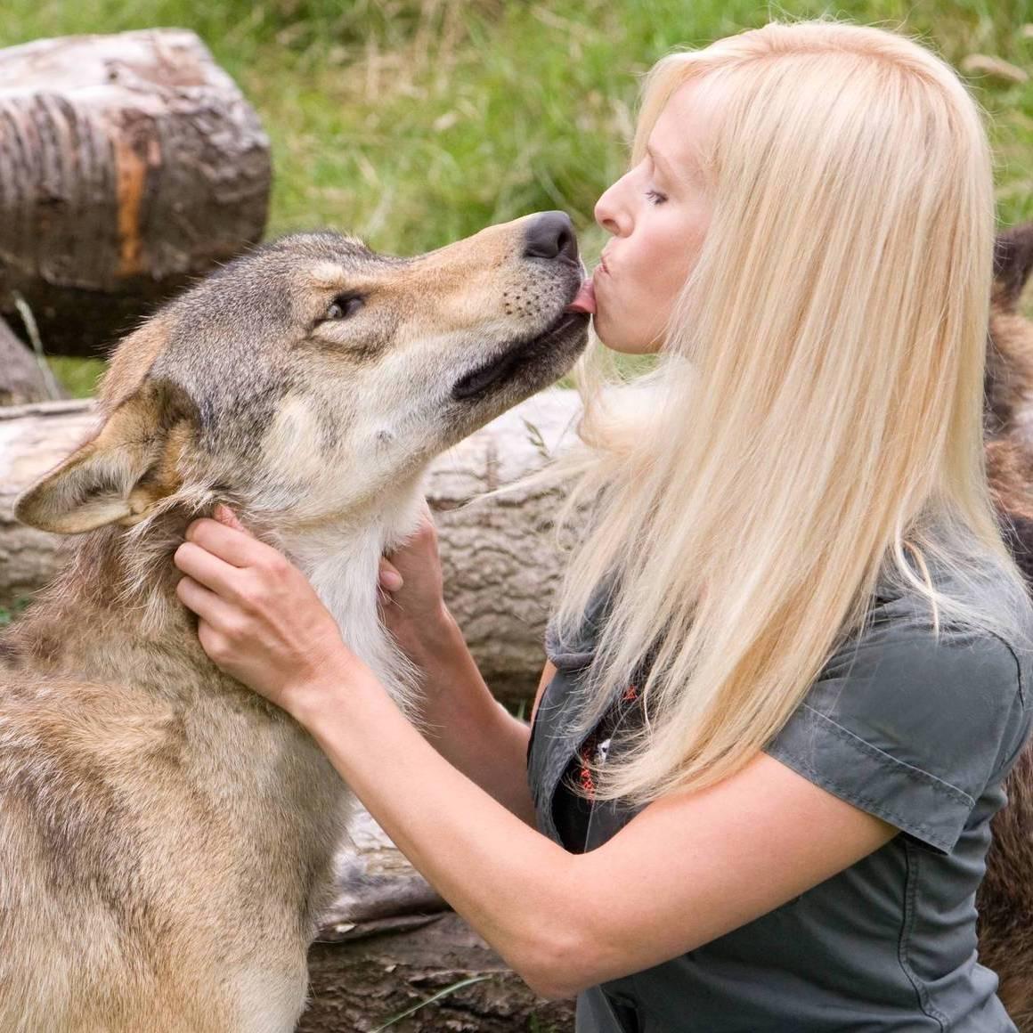Anneka-Svenska-and-Toraq-the-Wolf