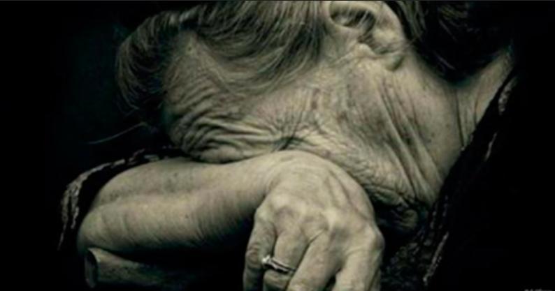 """Результат пошуку зображень за запитом """"бабушка в слезах"""""""