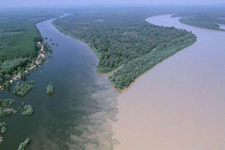 8. Слияние рек Драва и Дунай недалеко от хорватского города Осиек