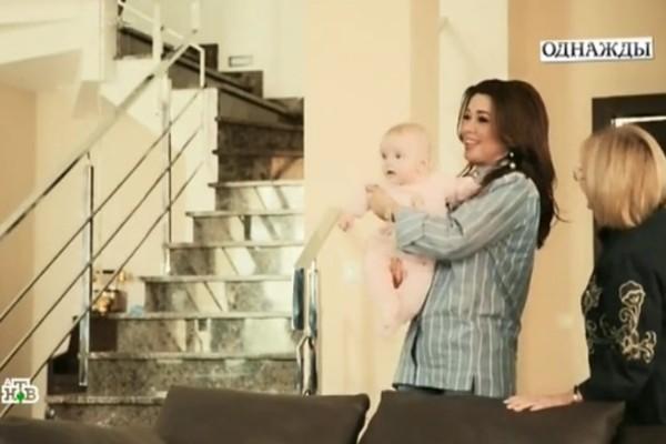 Анастасия Заворотнюк проводит много времени с младшей дочерью