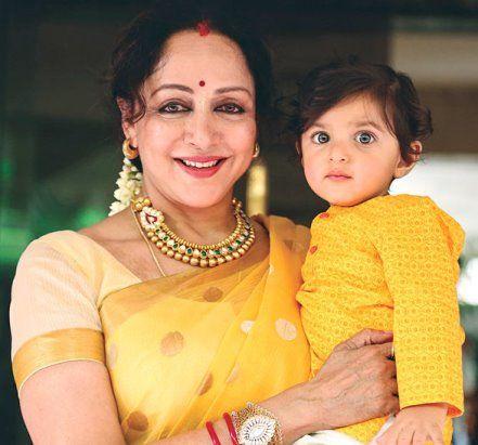 Как изменилась актриса самого знаменитого индийского фильма «Зита и Гита»