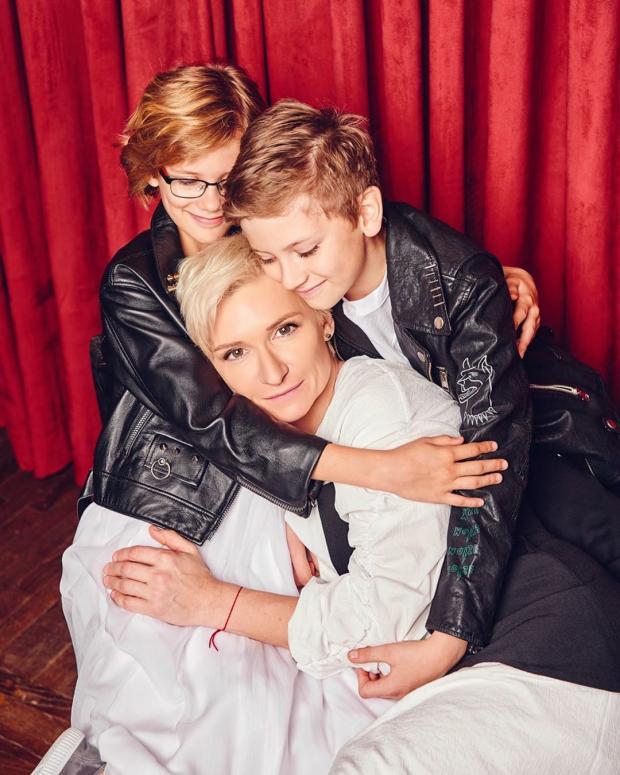 Диана Арбенина с детьми в стильной фотосъемке: Артем и Марта ...