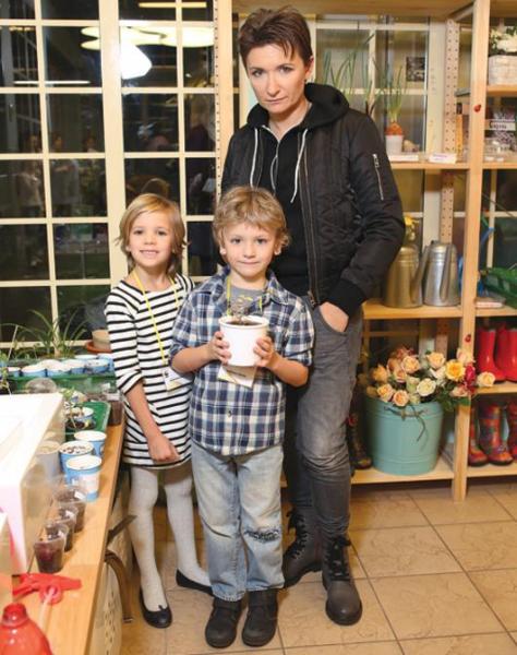 Диана Арбенина: «До 35 лет маленьких детей я просто не замечала ...