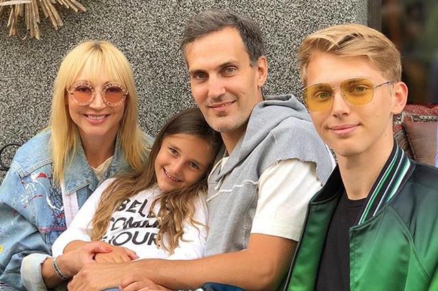 Кристина Орбакайте с мужем и детьми гостит у Аллы Пугачевой в ...