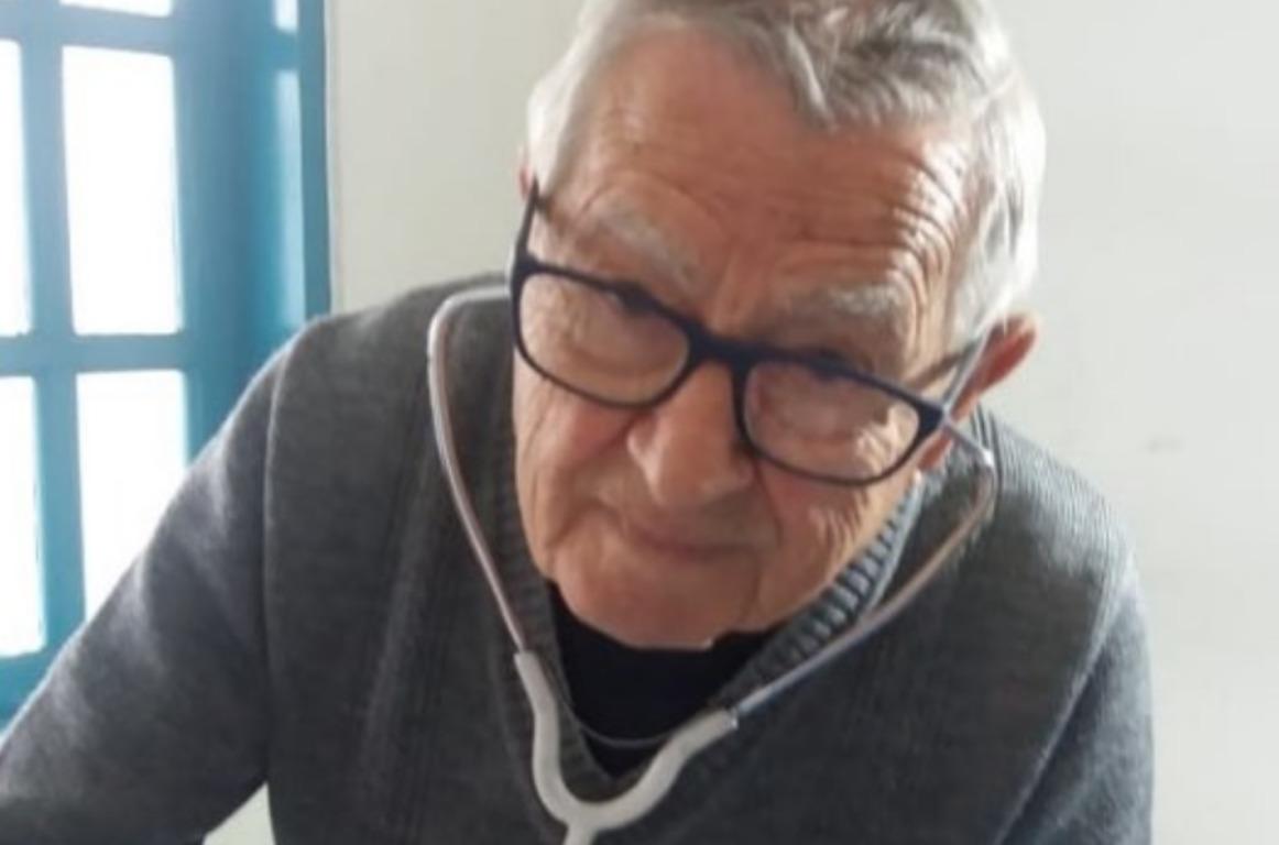 В Бразилии врач-пенсионер продолжает лечить людей (фото)