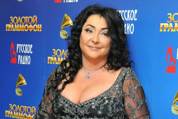 Лолита обвинила СБУ в подмене груди - Газета Труд