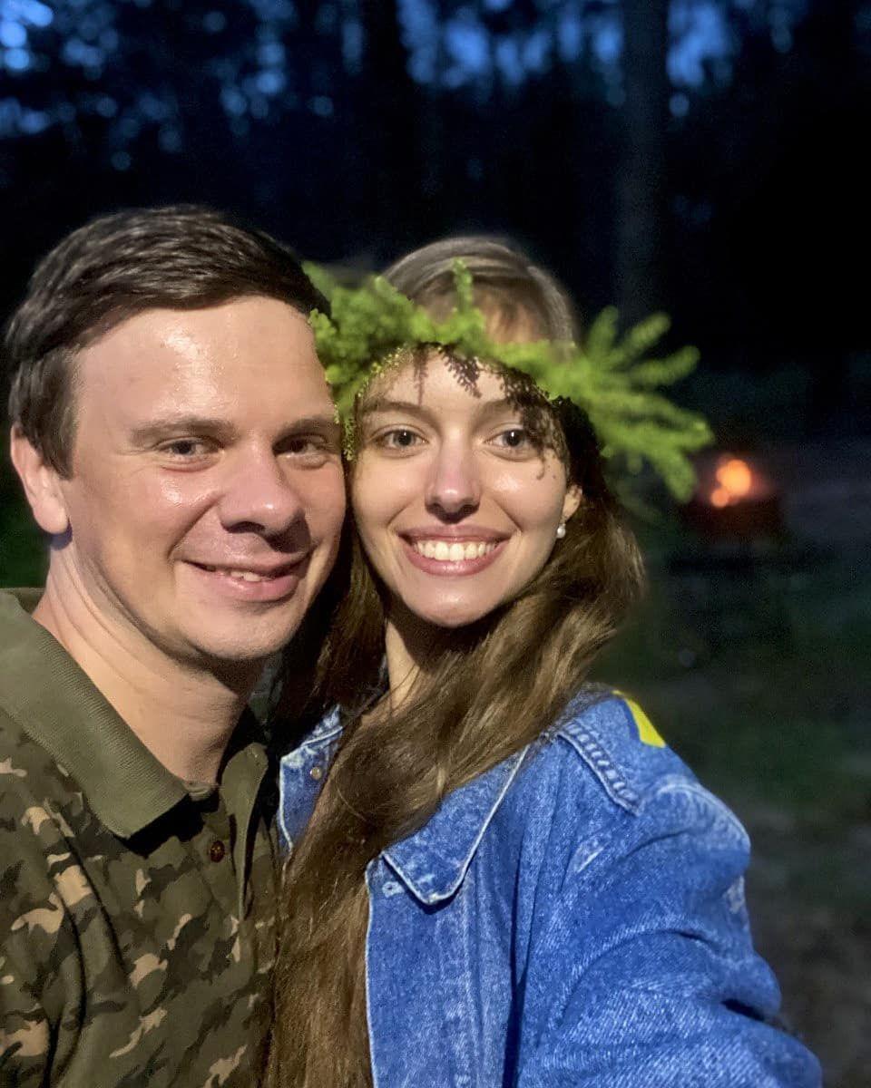 Дмитро Комаров з дружиною_5