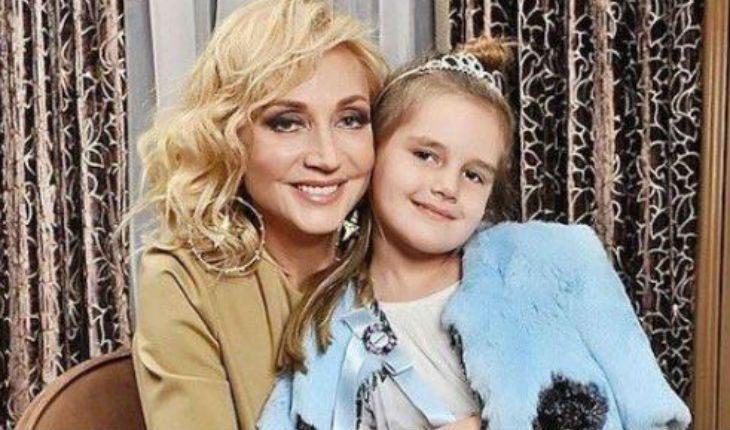 Кристина Орбакайте учит краситься 7-летнюю дочь 10.01.2020 ...