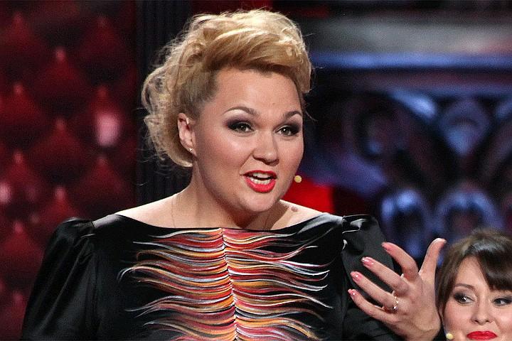 Звезда Comedy Woman Надежда Ангарская перестала скрывать болезненный развод
