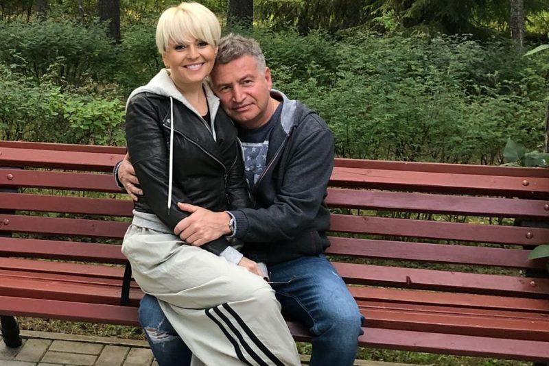 Простая официантка: дочь звёздной пары, Анжелики Варум и Леонида ...