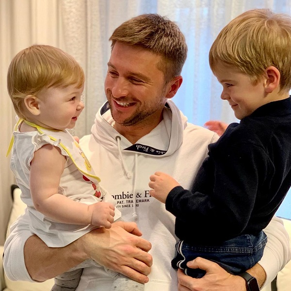 Сергей Лазарев опубликовал умилительное фото с сыном и дочерью - Вокруг ТВ.