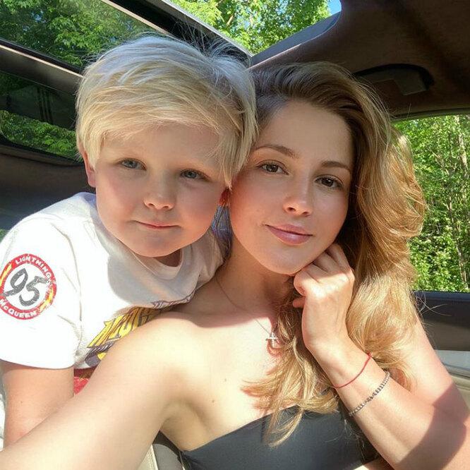 Какие сладкие!»: Анна Михайловская умилила поклонников видео с маленьким сыном