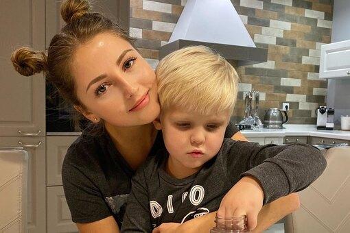 Анна Михайловская рассказала о нелюбви сына к селфи