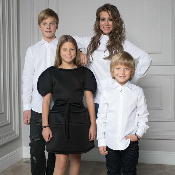 Юлия Барановская с тремя детьми переехала в частный дом - Вокруг ТВ.