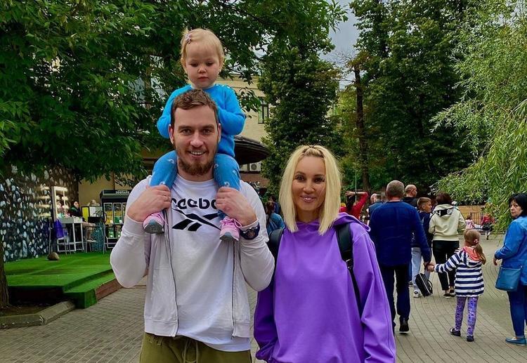 Сергей Лазарев и Лера Кудрявцева познакомили своих дочерей - Летидор