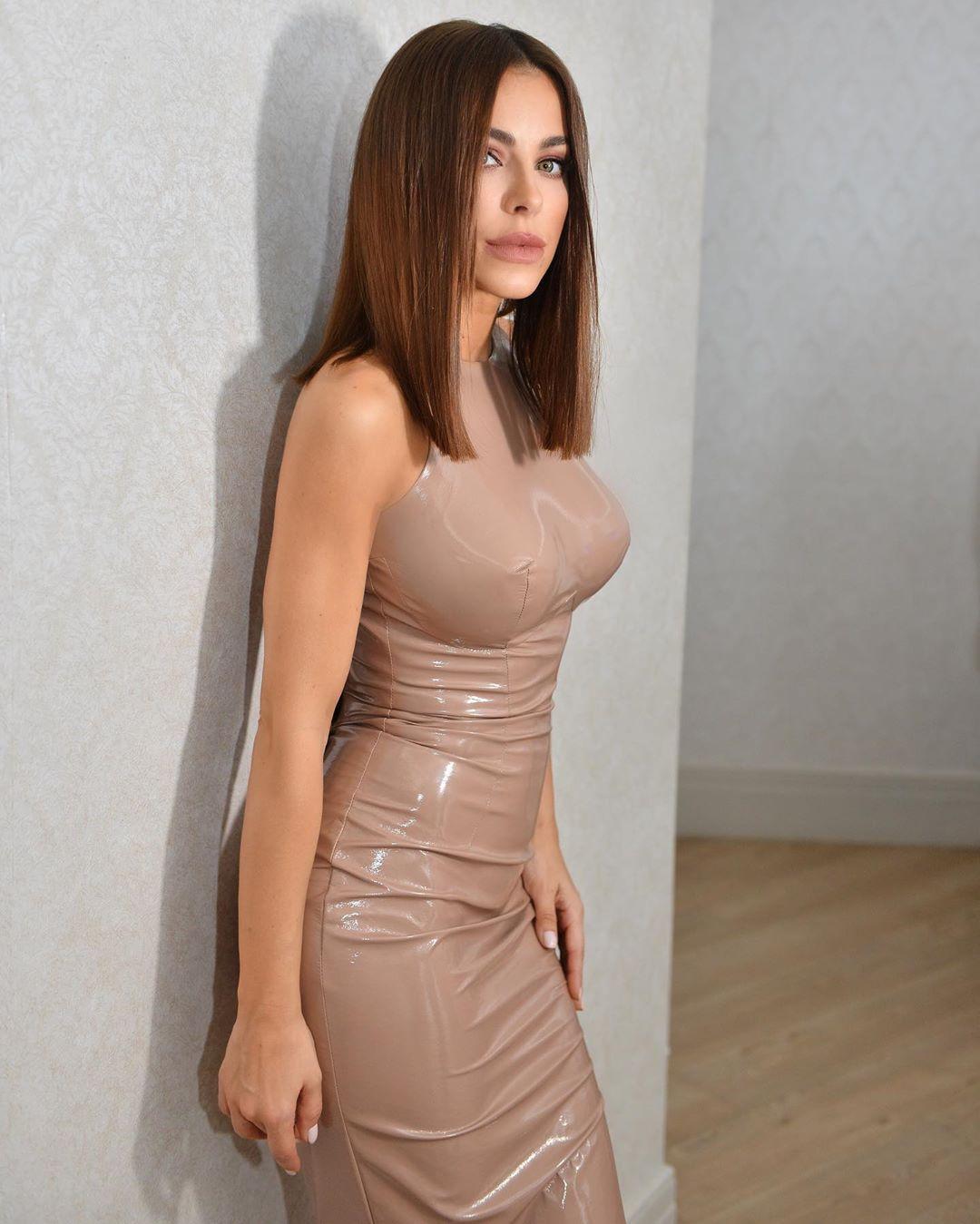 Ани Лорак подтвердила свой новый роман (фото) - Папарацци: скандальные фото звезд и знаменитостей шоу бизнеса, звезды без макияжа - Фото - Папарацци - IVONA - bigmir)net - IVONA bigmir)net