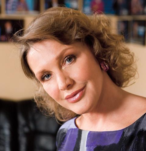 Елена Проклова: «Все, что хотела из пластики, уже сделала» | StarHit.ru