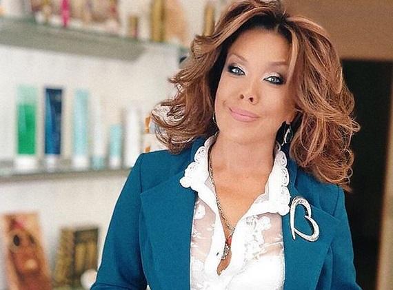 Певица Азиза решила усыновить ребенка - Вечерняя Москва
