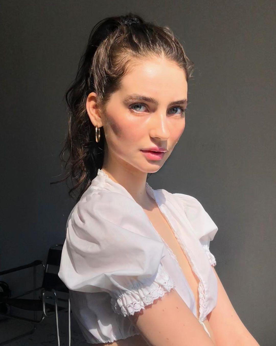 21-летняя дочь покойного Пола Уокера показала архивное видео с актером, но фанаты обеспокоились ее худобой | WMJ.ru