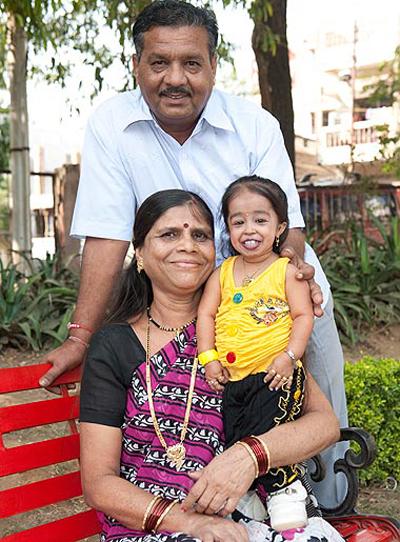 Индианка признана самой маленькой женщиной в мире. Обсуждение на LiveInternet - Российский Сервис Онлайн-Дневников