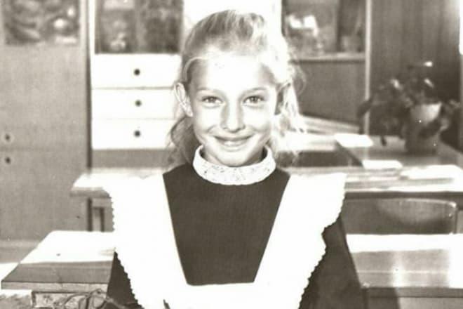 Катя Осадчая в детстве