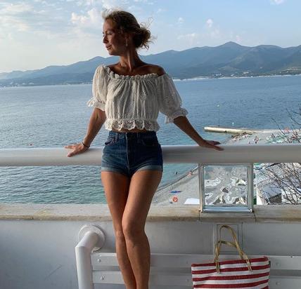 Елена Захарова о дочери: «Она такая кокетка!» - Звезды - WomanHit.ru